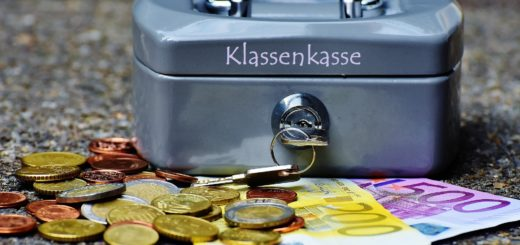 https://pixabay.com/de/geldkassette-geld-w%C3%A4hrung-geldkasse-1642989/